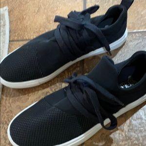 Black athletic tennis shoes